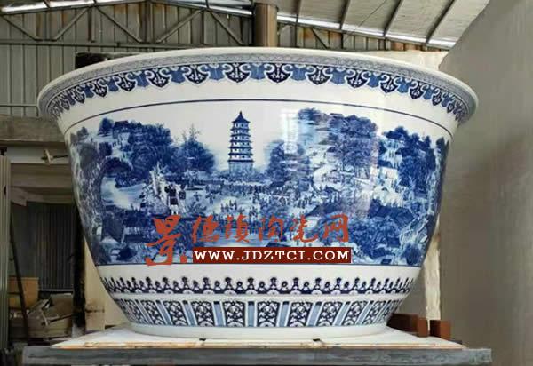 口径2.7米巨型青花瓷碗烧制成功 刷新吉尼斯纪录