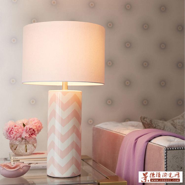 实木客厅书房实木灯具青花粉彩薄胎腰鼓台灯