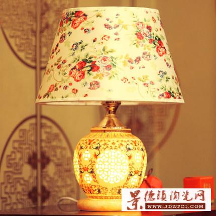 陶瓷灯具卧室床头现代中式仿古典台灯