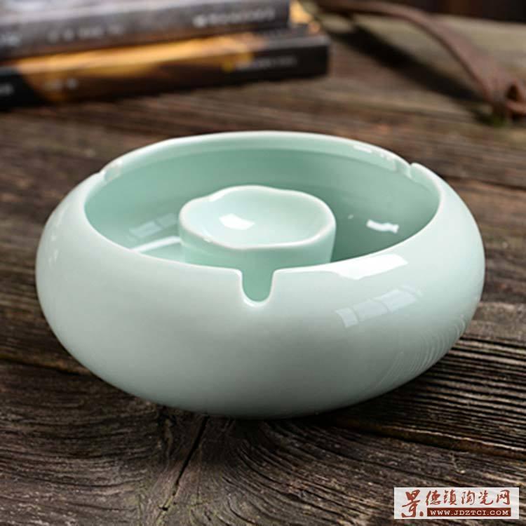 中式防风陶瓷烟灰缸个性客厅茶几家用新装饰烟缸带盖