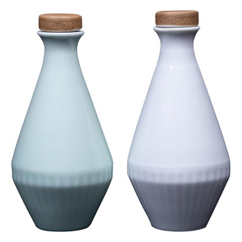 景德镇陶瓷酒瓶