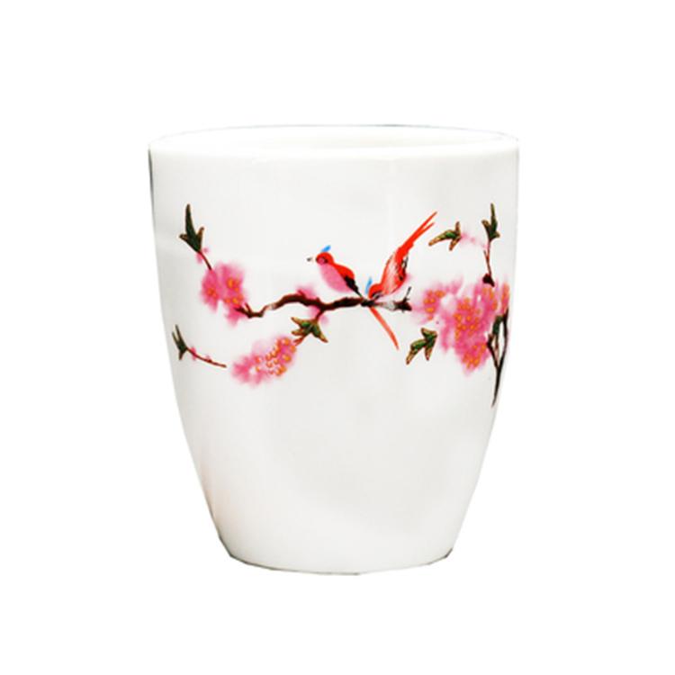 中国风陶瓷小号酒杯子