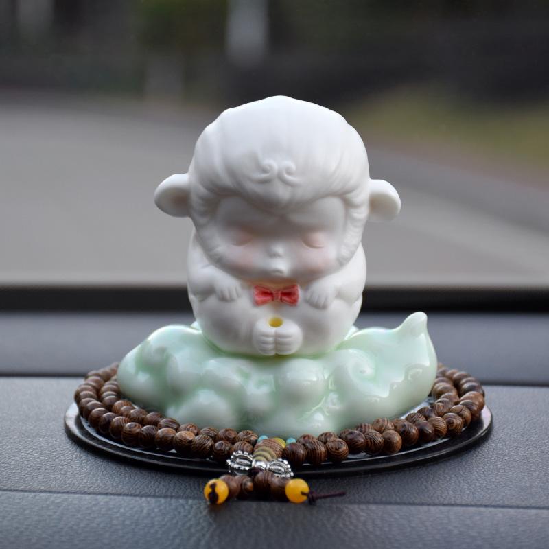 景德镇陶瓷创意个性齐天大圣车内饰品