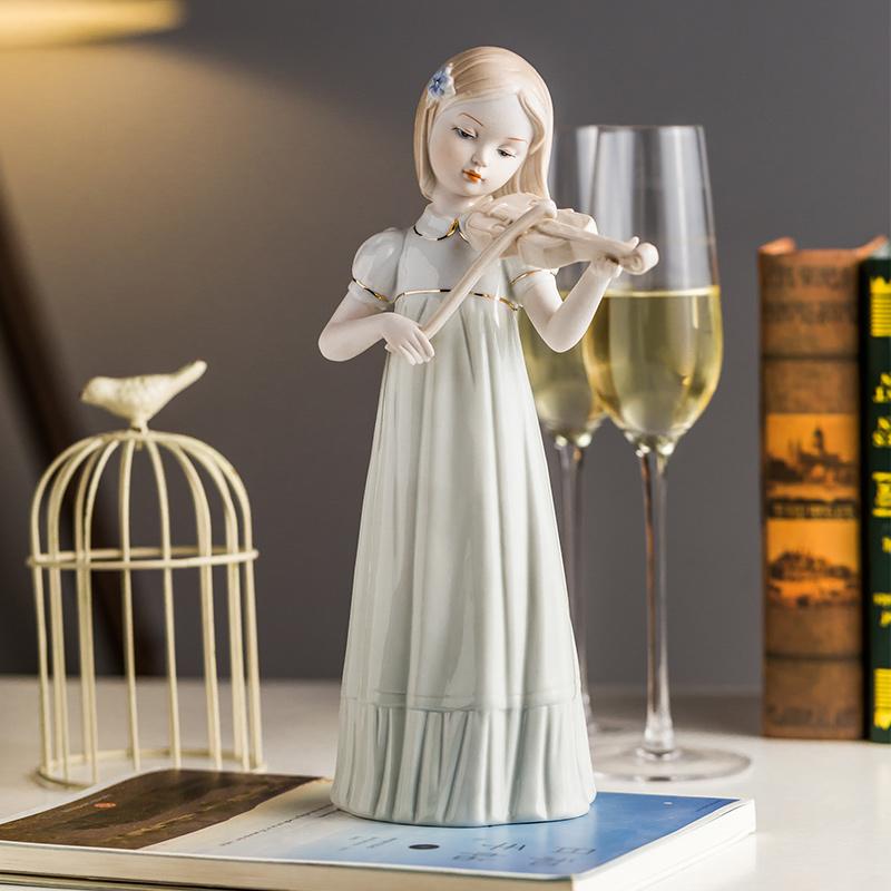 景德镇陶瓷西洋女孩拉小提琴陶瓷雕塑摆件