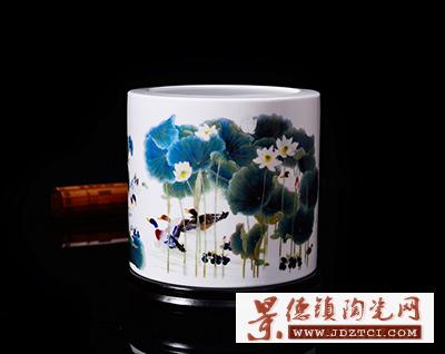 景德镇陶瓷办公笔筒喻继高荷香鸭肥工艺品桌面装饰品摆件