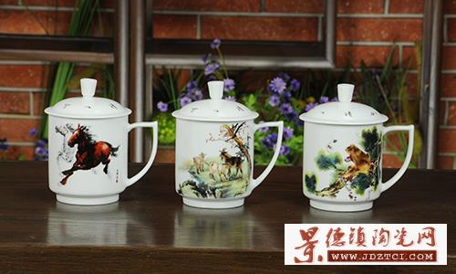 景德镇陶瓷十二生肖泡茶杯子带盖有把手办公会议室创意礼品