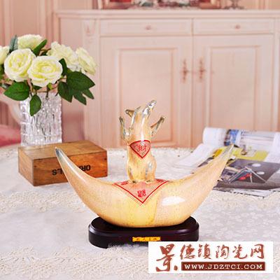 景德镇陶瓷工艺礼品陶院教授姚永康欢天喜地瓷雕塑装饰