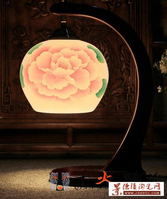 景德镇专业生产落地陶瓷灯具