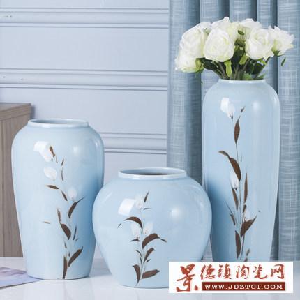 景德镇手绘陶瓷摆件