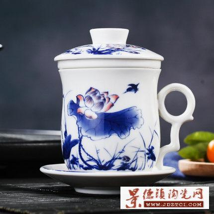 厂家供应青花釉下彩缠枝莲陶瓷茶杯定制