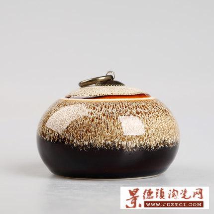 定做青花瓷茶叶罐批发多少钱